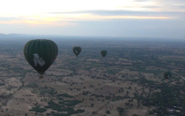 Myanmar-Balloon-Ride